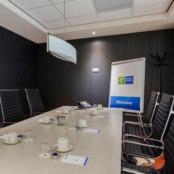 HIE_HAGMS Boardroom