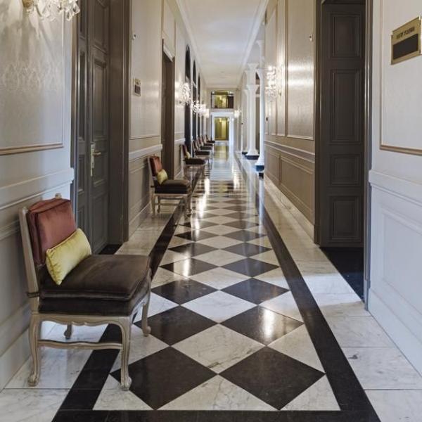 Hotel Kasteel Bloemendal hal