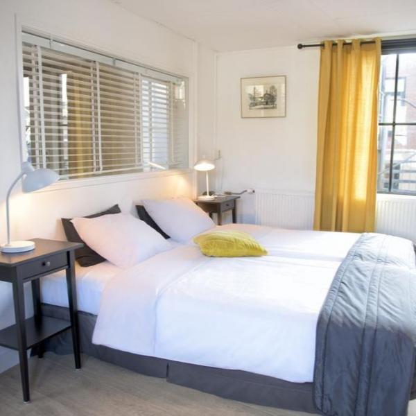 Hotel et le Café de Paris hotelkamer_02