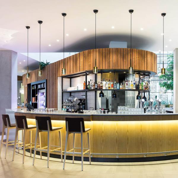 Novotel Amsterdam Schiphol Airport bar