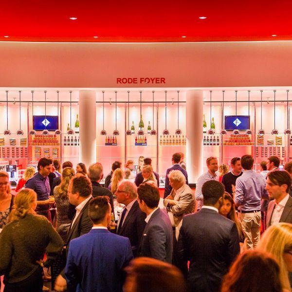 Evenementenlocatie-Amsterdam-DeLaMar-Theater-Rode-Foyer-borrel_klein