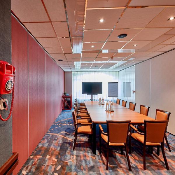 carlton oasis hotel meeting room 2