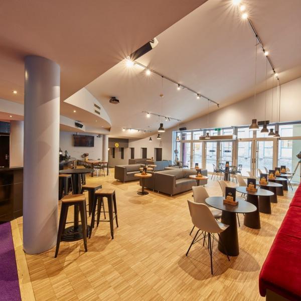 Pathe Groningen Cafe