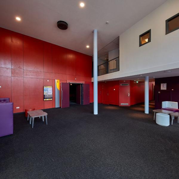 Pathé Helmond Foyer Beneden