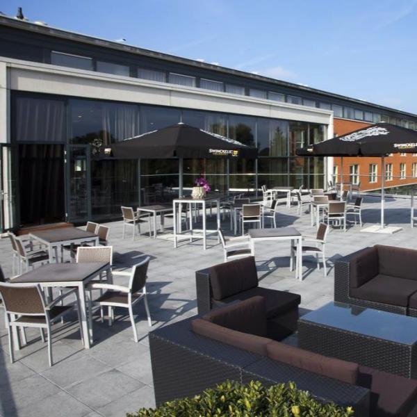 Van der Valk Hotel Princeville Breda terras