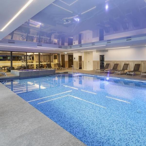 Van der Valk Hotel Princeville Breda zwembad