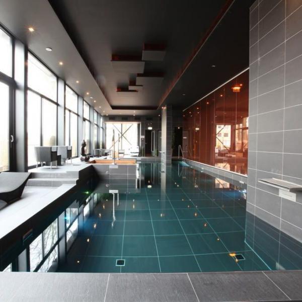 Restaurant Hotel & Spa Savarin zwembad