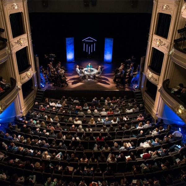 Het nationale Theater zaal_01